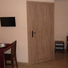Отель Kompleks Hotelarski Zgoda Стандартный номер с 2 отдельными кроватями (общая ванная комната)