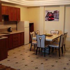 Апартаменты Chernivtsi Apartments в номере