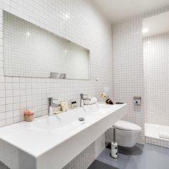 Отель Sweet Inn Apartments - Temple Франция, Париж - отзывы, цены и фото номеров - забронировать отель Sweet Inn Apartments - Temple онлайн ванная фото 2