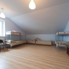 ХЗ Хостел Кровать в общем номере с двухъярусной кроватью