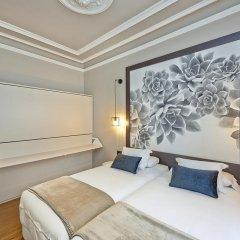 Отель Hostal Central Barcelona Стандартный семейный номер с двуспальной кроватью фото 4