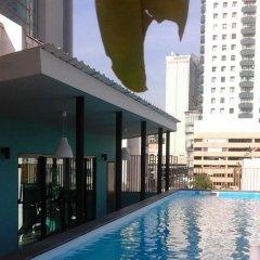Tints of Blue Hotel бассейн фото 2