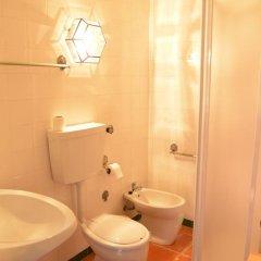 Отель Montejunto Eden - Casas de Campo ванная фото 2