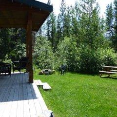 Отель Mica Mountain Lodge & Log Cabins балкон