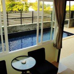 Отель AM Surin Place Номер Делюкс с двуспальной кроватью фото 3