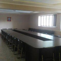 Отель Akmaral Кыргызстан, Каракол - отзывы, цены и фото номеров - забронировать отель Akmaral онлайн помещение для мероприятий