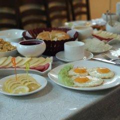 Отель Guest house Altay Кыргызстан, Каракол - отзывы, цены и фото номеров - забронировать отель Guest house Altay онлайн питание фото 2
