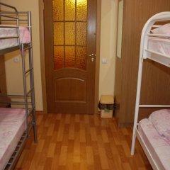 The Red Cat Hostel Кровать в общем номере двухъярусные кровати фото 4