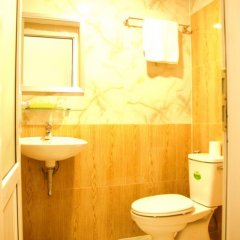 Отель Dalat Flower 3* Кровать в общем номере фото 4