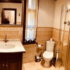 Отель Sharlopova Boutique Guest House - Sauna & Hot Tub Боженци ванная
