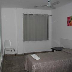 Отель Hostal Las Nieves Стандартный номер с различными типами кроватей (общая ванная комната) фото 29