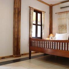 Отель Villa Oasis Luang Prabang 3* Улучшенный номер с двуспальной кроватью фото 2