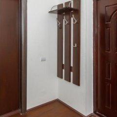 Апартаменты Petal Lotus Apartments on Tsiolkovskogo сейф в номере