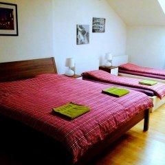 Hostel One Miru Кровать в общем номере с двухъярусной кроватью фото 18