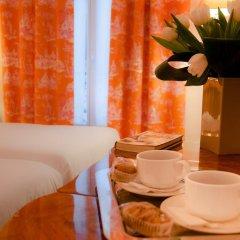 Отель Hôtel Eden Montmartre 3* Улучшенный номер с 2 отдельными кроватями фото 4