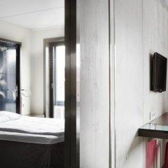 Comfort Hotel Square 3* Стандартный номер с различными типами кроватей фото 3