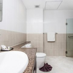Апартаменты Pratumnak Hill Apartment 1 Bedroom Паттайя ванная
