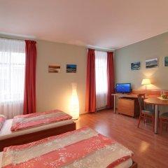 Отель Penzion Fan 3* Студия с 2 отдельными кроватями фото 12