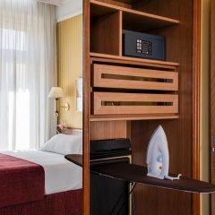 Отель NH Collection Madrid Gran Vía Испания, Мадрид - 1 отзыв об отеле, цены и фото номеров - забронировать отель NH Collection Madrid Gran Vía онлайн сейф в номере