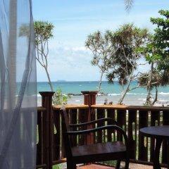 Отель Lazy Days Bungalows Ланта балкон