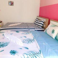 Отель B & L Guesthouse 3* Стандартный семейный номер с разными типами кроватей фото 5