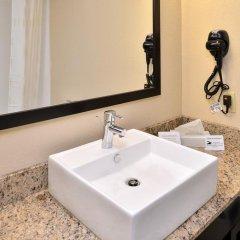 Отель Comfort Suites East 2* Стандартный номер с различными типами кроватей фото 2