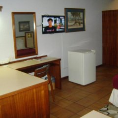 Gaborone Hotel 2* Номер Делюкс фото 4