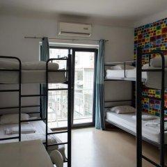 Hans Brinker Hostel Lisbon Кровать в общем номере с двухъярусной кроватью фото 5