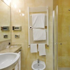 Hotel Tiffany Milano Треццано-суль-Навиглио ванная фото 2
