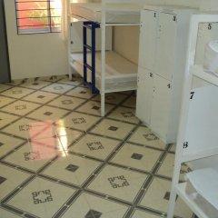 Отель Hostal Centro Historico Oasis 2* Кровать в общем номере фото 5