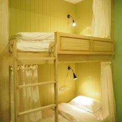 Отель The Luna Кровать в общем номере фото 4