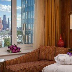 Гостиница Ренессанс Москва Монарх Центр 4* Номер Делюкс с двуспальной кроватью фото 4