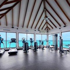 Отель Centara Grand Island Resort & Spa Maldives All Inclusive фитнесс-зал фото 2