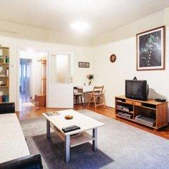 Апартаменты Toldy Apartment комната для гостей фото 3