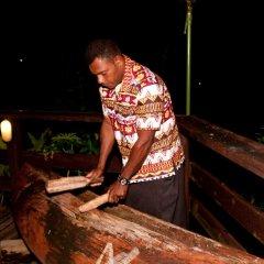 Отель Crusoe's Retreat Фиджи, Вити-Леву - отзывы, цены и фото номеров - забронировать отель Crusoe's Retreat онлайн интерьер отеля фото 3