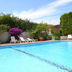Отель Amandi бассейн