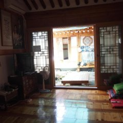 Отель Gaonjae Hanok Guesthouse Южная Корея, Сеул - отзывы, цены и фото номеров - забронировать отель Gaonjae Hanok Guesthouse онлайн интерьер отеля