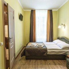 Гостиница ЦісаR Украина, Львов - 10 отзывов об отеле, цены и фото номеров - забронировать гостиницу ЦісаR онлайн комната для гостей фото 4