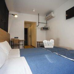 Отель Hostal CC Malasaña Стандартный номер с двуспальной кроватью фото 6