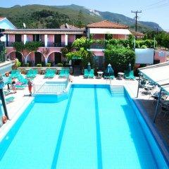 Отель Sofia's Hotel Греция, Каламаки - отзывы, цены и фото номеров - забронировать отель Sofia's Hotel онлайн бассейн фото 2
