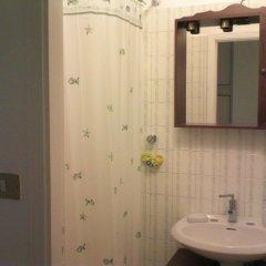 Отель Littlewhitehouse Италия, Чинизи - отзывы, цены и фото номеров - забронировать отель Littlewhitehouse онлайн ванная