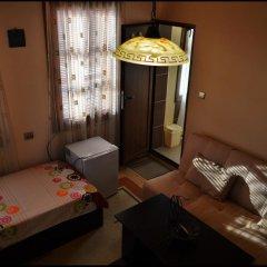 Отель Alex Guest House Стандартный номер с различными типами кроватей фото 8