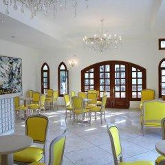 Отель Lindian Village гостиничный бар