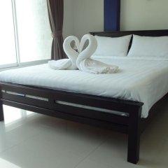 Отель But Different Phuket Guesthouse 3* Стандартный номер с различными типами кроватей фото 6