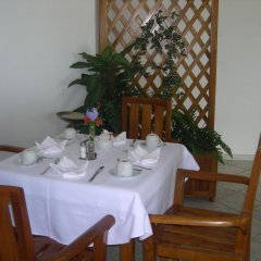 Tiki Hotel питание