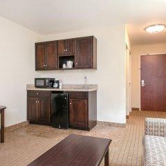 Отель Holiday Inn Express and Suites Lafayette East 2* Люкс с различными типами кроватей фото 2