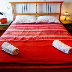 Отель The White Rabbit сейф в номере
