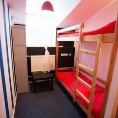 Хостел Фрегат Кровать в мужском общем номере с двухъярусной кроватью фото 3