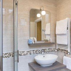 Отель Domus Trevi 3* Стандартный номер с различными типами кроватей фото 28