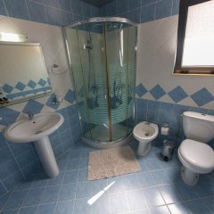 Отель Brilant Saranda Албания, Саранда - отзывы, цены и фото номеров - забронировать отель Brilant Saranda онлайн ванная фото 2